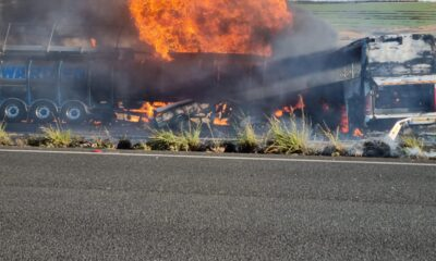 Tanker and bus on fire mooi river